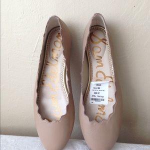 Sam Edelman Flat Scalloped Shoes